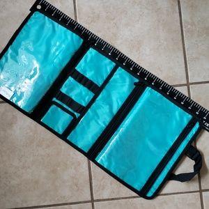 thirty-one Bags - Organic Poppy Beauty Bag
